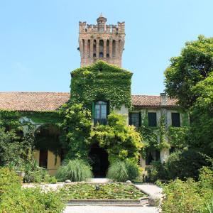 Castello-di-San-Pelagio-Due-Carrare-Padova-corte-interna